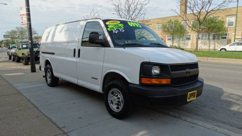 2004 Chevrolet Express Cargo 3500 In Chicago Il 6 Stars Auto