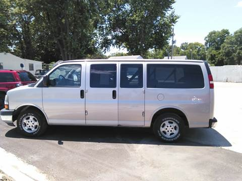 2004 Chevrolet Express Passenger for sale in Springfield, IL