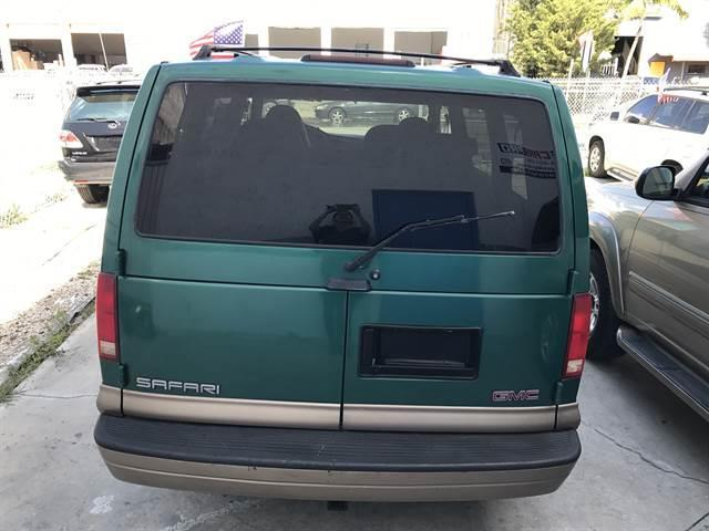 1998 GMC Safari 3dr SLE Extended Mini-Van - Oakland Park FL