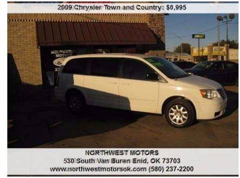 2009 Chrysler Town and Country for sale at NORTHWEST MOTORS in Enid OK