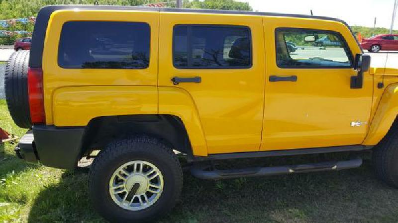 2006 HUMMER H3 for sale at Dynamite Deals LLC in Arnold MO