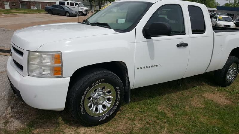 2008 Chevrolet Silverado 1500 for sale at Dynamite Deals LLC in Arnold MO