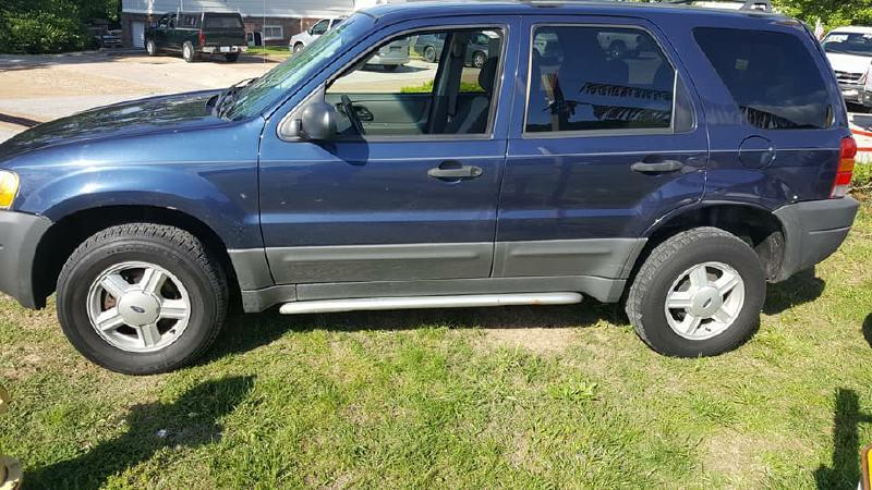 2003 Ford Escape for sale at Dynamite Deals LLC in Arnold MO