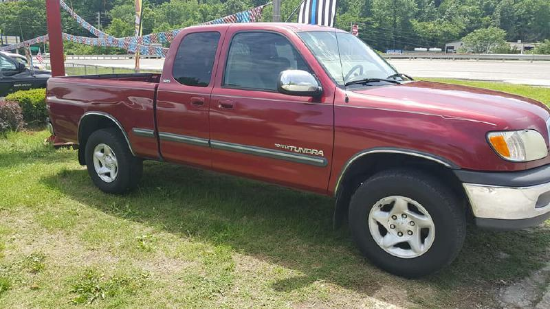2002 Toyota Tundra for sale at Dynamite Deals LLC in Arnold MO