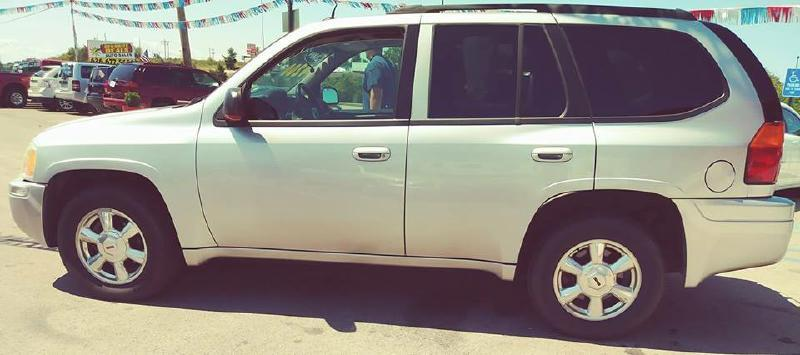 2005 GMC Envoy for sale at Dynamite Deals LLC - Dynamite Deals in High Ridge MO