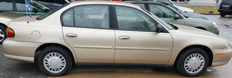 2005 Chevrolet Classic for sale at Dynamite Deals LLC in Arnold MO