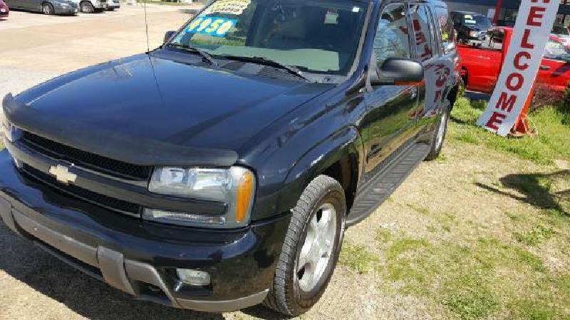 2005 Chevrolet TrailBlazer EXT for sale at Dynamite Deals LLC in Arnold MO