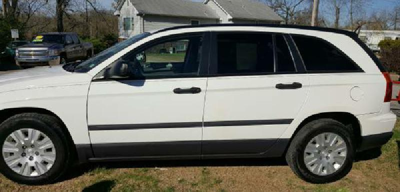 2006 Chrysler Pacifica for sale at Dynamite Deals LLC in Arnold MO