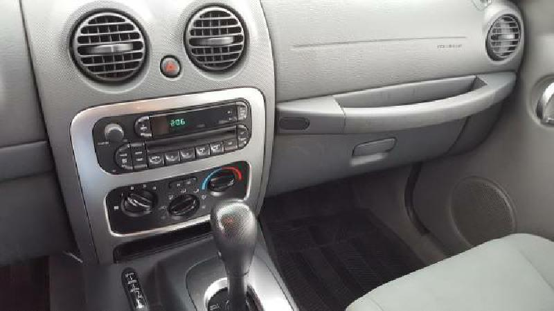 2005 Jeep Liberty for sale at Dynamite Deals LLC in Arnold MO