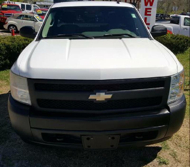 2007 Chevrolet Silverado 1500 for sale at Dynamite Deals LLC in Arnold MO