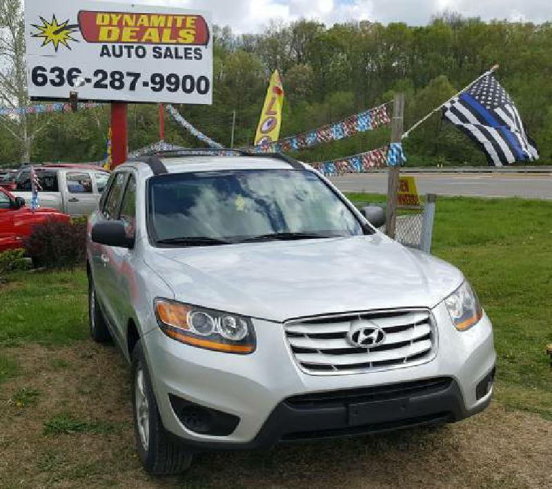 2011 Hyundai Santa Fe for sale at Dynamite Deals LLC in Arnold MO