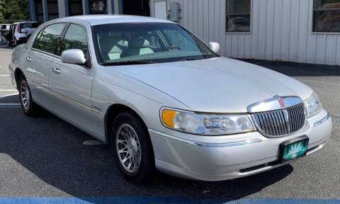 2002 Lincoln Town Car for sale at Cobalt Cars in Atlanta GA