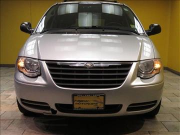 2006 Chrysler Town and Country for sale in Paterson, NJ