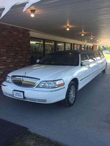 1999 Lincoln Town Car Executive 4dr Sedan - Colonial Beach VA