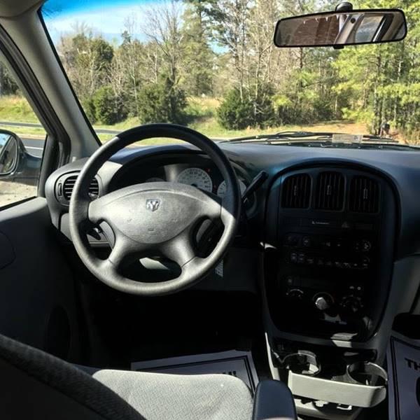 2005 Dodge Caravan SE 4dr Mini-Van - Colonial Beach VA