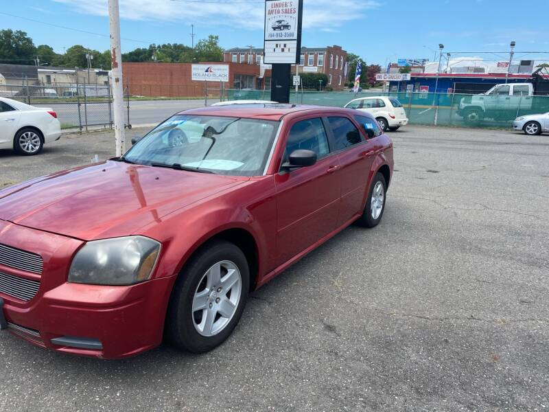 2005 Dodge Magnum for sale at LINDER'S AUTO SALES in Gastonia NC