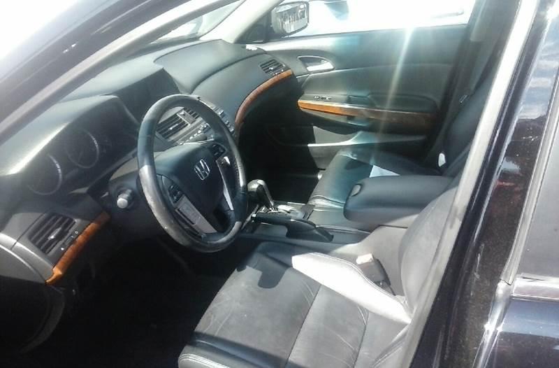 2011 Honda Accord EX-L 4dr Sedan w/Navi - Clarksville TN
