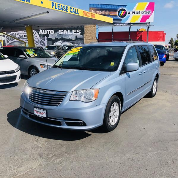 2013 Chrysler Town And Country Touring 4dr Mini-Van In