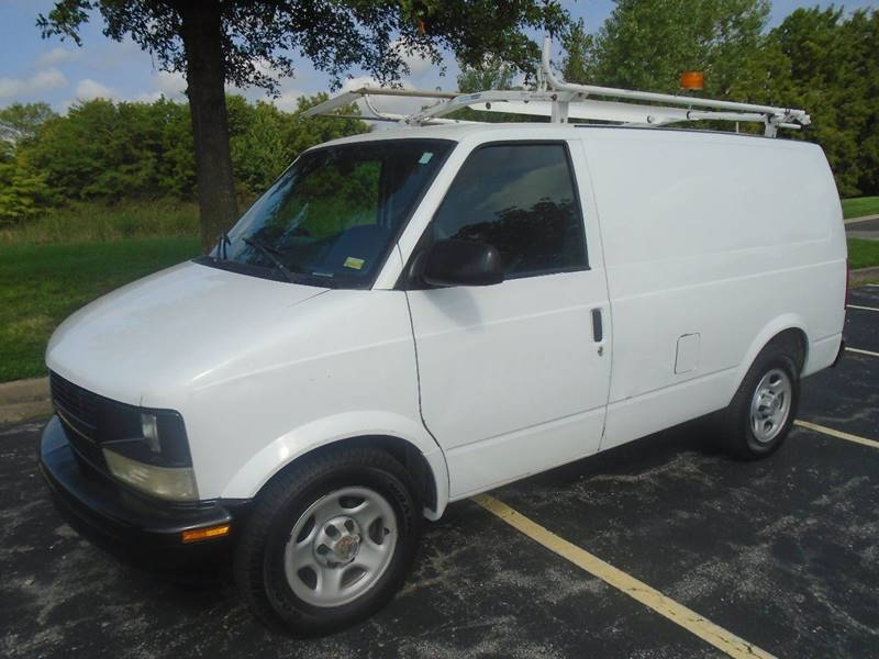 2005 Chevrolet Astro Cargo for sale at GLADSTONE AUTO SALES in Kansas City MO
