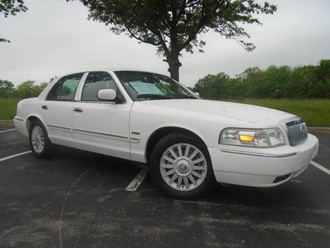 2009 Mercury Grand Marquis for sale at GLADSTONE AUTO SALES in Kansas City MO