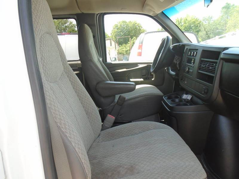 2008 Chevrolet Express Passenger for sale at GLADSTONE AUTO SALES in Kansas City MO