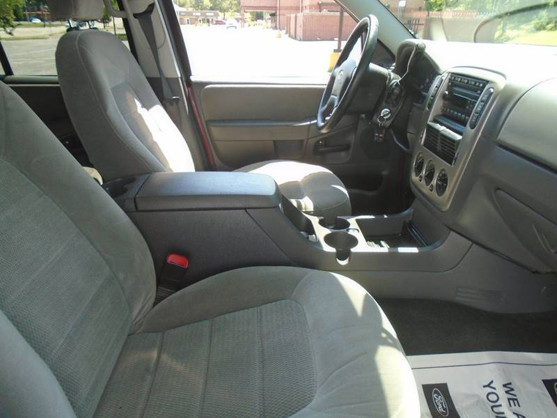 2005 Ford Explorer for sale at GLADSTONE AUTO SALES in Kansas City MO