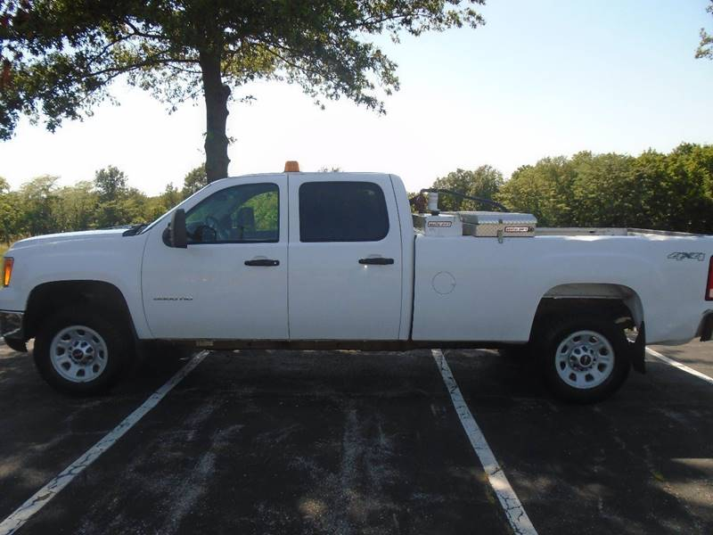 2011 GMC Sierra 3500HD for sale at GLADSTONE AUTO SALES in Kansas City MO