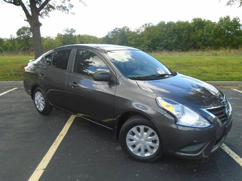 2015 Nissan Versa for sale at GLADSTONE AUTO SALES in Kansas City MO