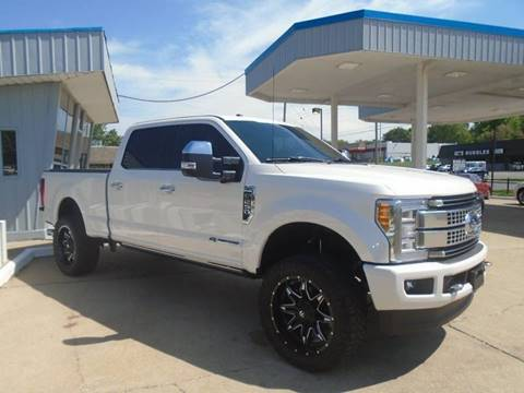 2017 Ford F-250 Super Duty for sale at GLADSTONE AUTO SALES in Kansas City MO