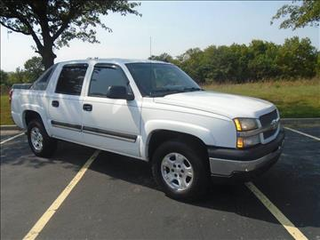 2006 Chevrolet Avalanche for sale at GLADSTONE AUTO SALES in Kansas City MO