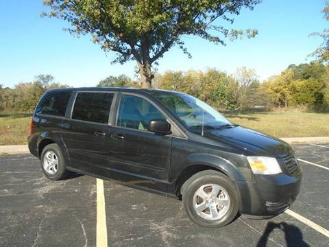 2009 Dodge Grand Caravan for sale at GLADSTONE AUTO SALES in Kansas City MO