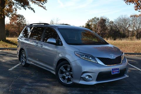 2017 Toyota Sienna for sale in Gladstone, MO