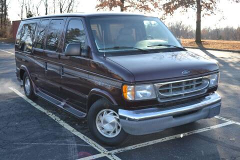 2000 Ford E-Series Cargo for sale at GLADSTONE AUTO SALES    GUARANTEED CREDIT APPROVAL in Gladstone MO