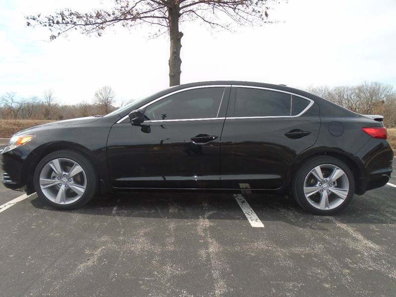 2013 Acura ILX for sale at GLADSTONE AUTO SALES in Kansas City MO