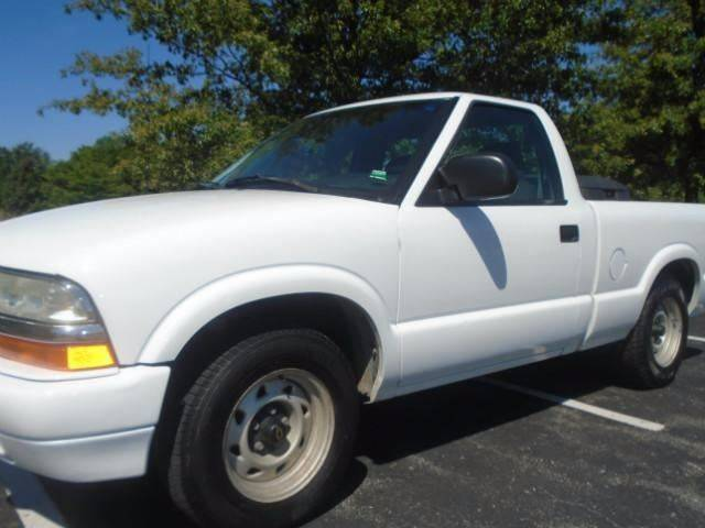2003 Chevrolet S-10 for sale at GLADSTONE AUTO SALES in Kansas City MO