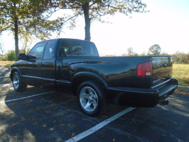 2003 GMC Sonoma for sale at GLADSTONE AUTO SALES in Kansas City MO