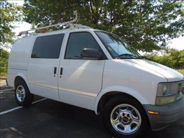2004 GMC Safari Cargo for sale at GLADSTONE AUTO SALES in Kansas City MO