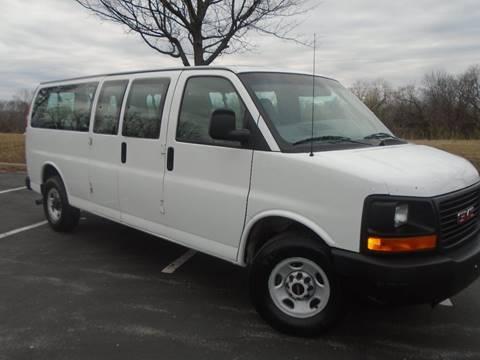2004 GMC Savana Passenger for sale at GLADSTONE AUTO SALES in Kansas City MO