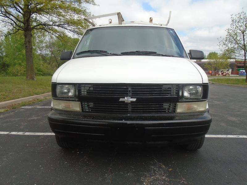 2004 Chevrolet Astro Cargo for sale at GLADSTONE AUTO SALES in Kansas City MO