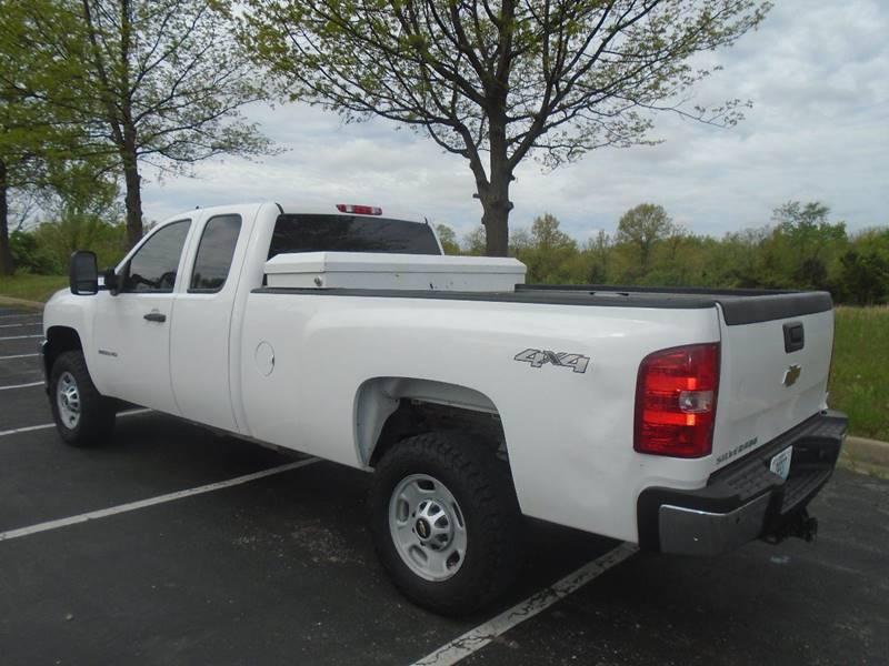 2013 Chevrolet Silverado 2500HD for sale at GLADSTONE AUTO SALES in Kansas City MO