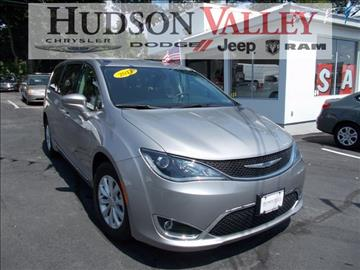 2017 Chrysler Pacifica for sale at Hudson Valley Auto Exchange in Newburgh NY