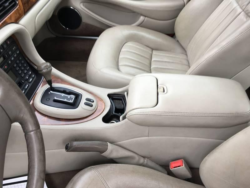 2002 Jaguar XJ-Series XJ8 4dr Sedan - Taunton MA
