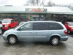 2006 Chrysler Town and Country for sale in Trevor, WI