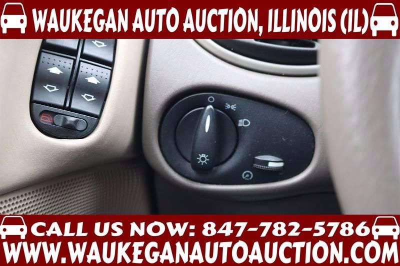 2004 Ford Focus SE 4dr Sedan - Waukegan IL