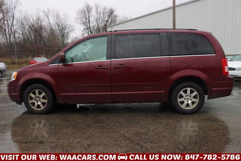 2008 Chrysler Town and Country Touring 4dr Mini-Van - Waukegan IL