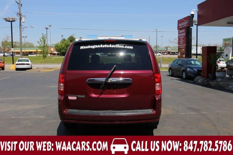 2008 Chrysler Town and Country Touring 4dr Mini-Van - Waukegan IL