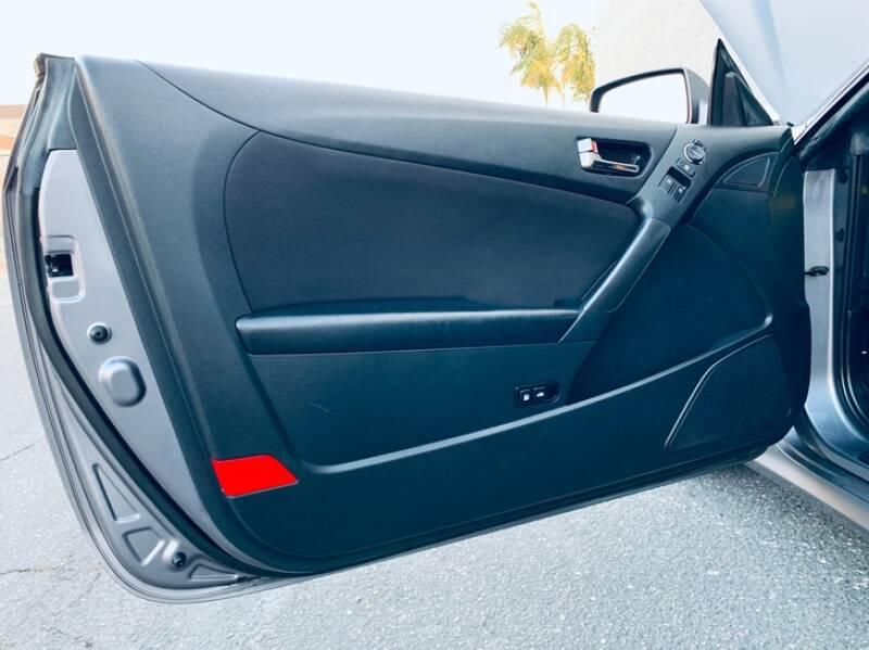 2012 Hyundai Genesis Coupe 2.0T 2dr Coupe - Ontario CA