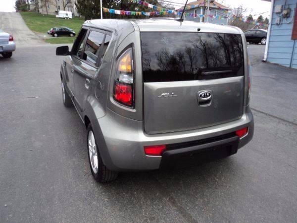 2010 Kia Soul + 4dr Wagon 4A - Connellsville PA