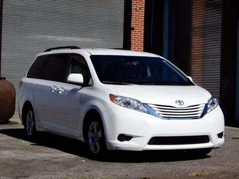 2016 Toyota Sienna for sale in Larchmont, NY