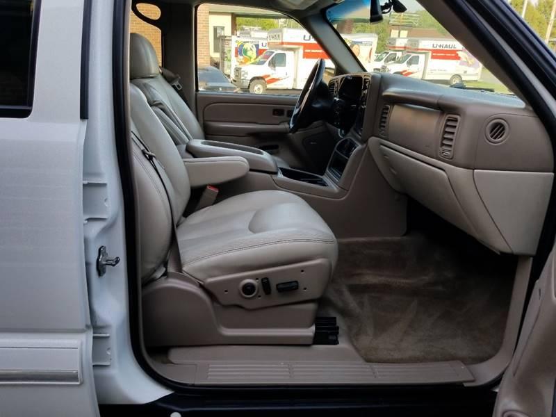 2005 Chevrolet Suburban for sale at Privileged Auto Sales in Gladstone MO